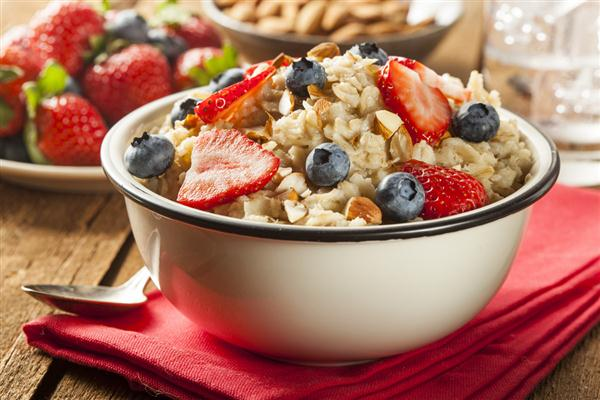 3-Oatmeal-is-very-rich-in-complex-carbohydrates