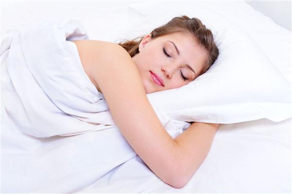 นอนหลับอย่างไร? ...เพื่อให้ผิวสวยใสไร้ปัญหาสิวกวนใจ