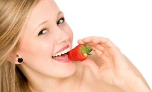 eating_strawberry