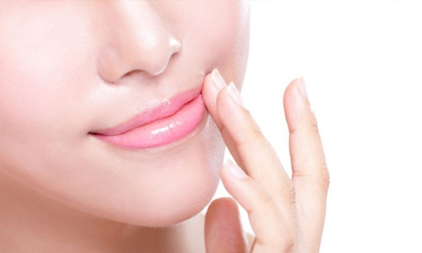 สาเหตุปากดำ กับวิธีแก้ปากดำคล้ำให้เป็นสีชมพูสดใส