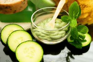 Homemade-Anti-Aging-Cucumber-Mask-1
