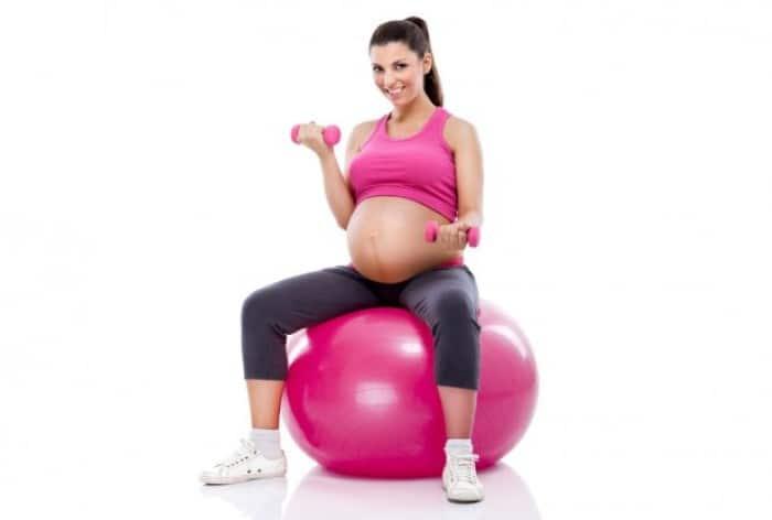 6 วิธีออกกำลังกายที่คุณแม่ตั้งครรภ์ทำได้ ไม่เป็นอันตรายต่อทารก 1