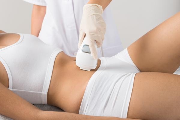 5 วิธีศัลยกรรมรอยแตกลาย เพื่อผิวสวยมั่นใจในแบบเร่งด่วน 1