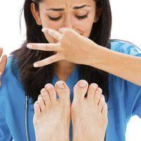 วิธีแก้กลิ่นเท้าเหม็น ทำไงดี
