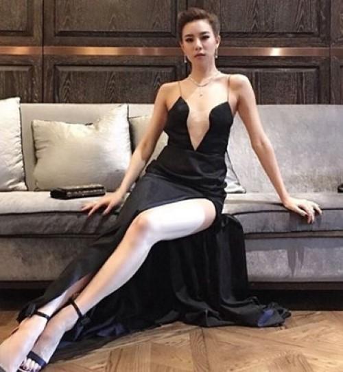20 แฟชั่นชุดดำดารา อวดความสวย แซ่บ เซ็กซี่ ไม่ซ้ำหน้าใคร ! 19