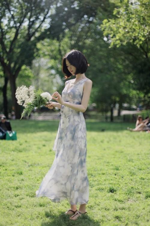 30 แฟชั่น ชุดลายดอก หวานๆ เสริมลุคสุดคิวท์ ยิ่งมอง ยิ่งหลงใหล 1