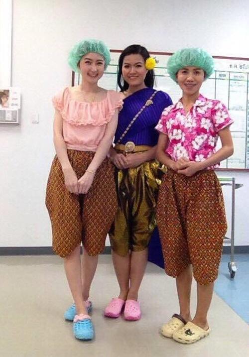 ชุดไทยโจงกระเบนหญิง