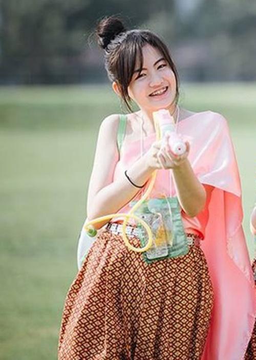 ชุดไทยเล่นสงกรานต์