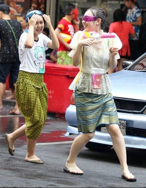 สงกรานต์ชุดไทย2019
