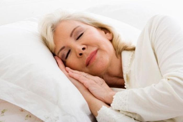 การนอนในผู้สูงอายุ นอนอย่างไรให้สุขภาพดี